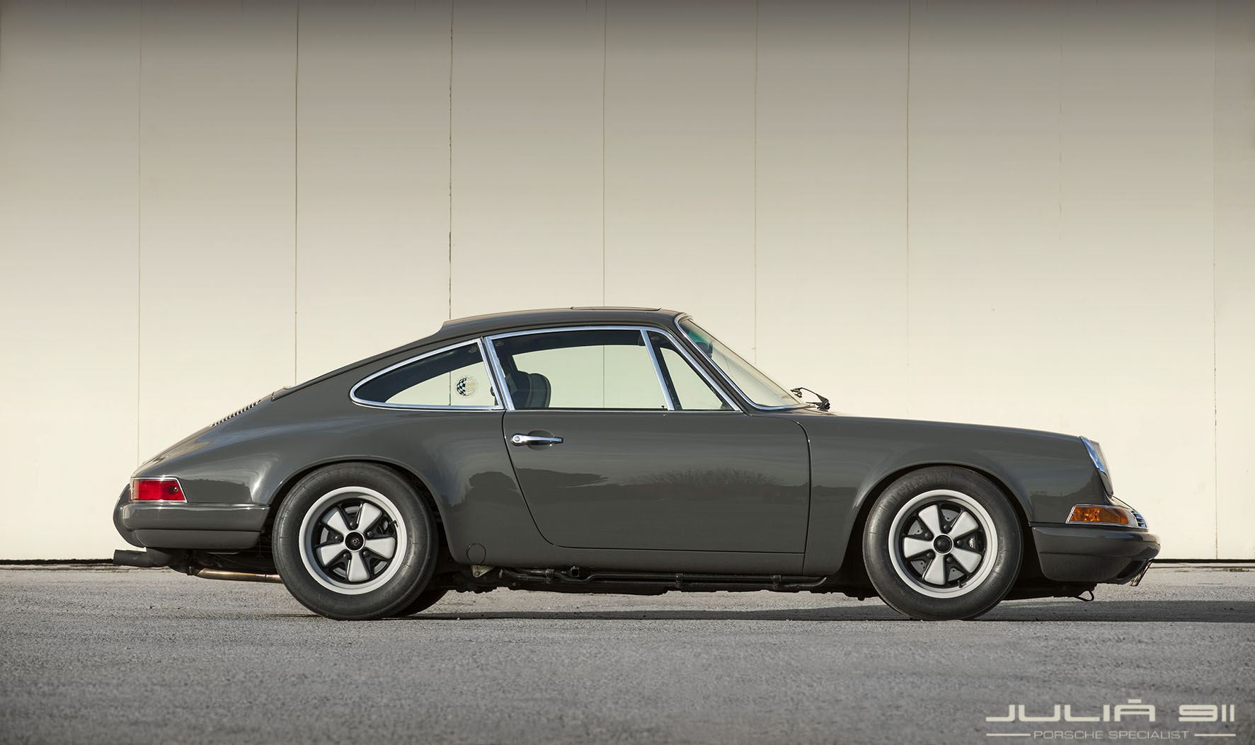 backdating 911 The car this 1984 porsche 911 started out its life as an m491 turbo-look carrera in 2003, the car underwent an extensive restoration process to backdate it to the rsr model by the porsche experts at rothsport racing.